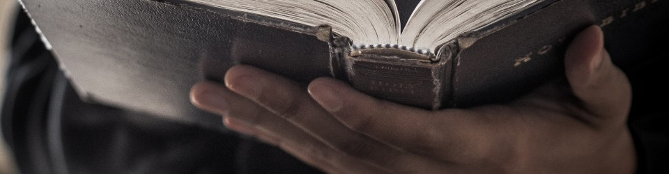 Bible-Reading-Christian-Stock-Image-960x250