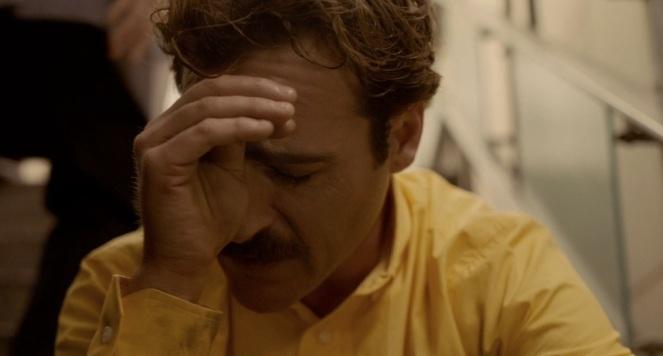 her-movie-2013-screenshot-crying-joaquin-phoenix
